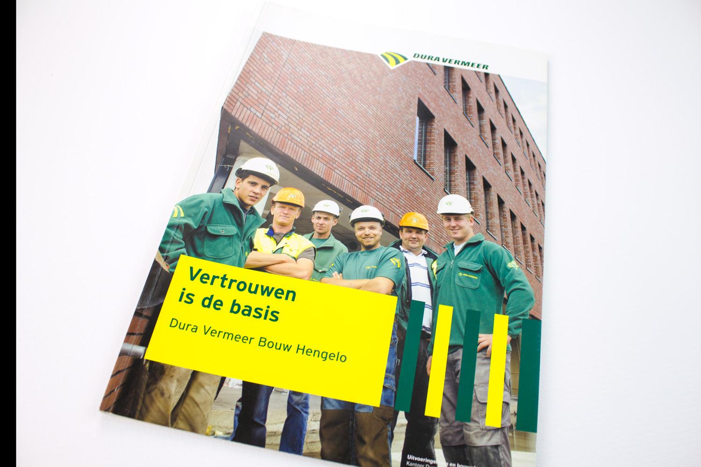 Ontwerp brochure Dura Vermeer Bouw Hengelo, cover | Studio Index